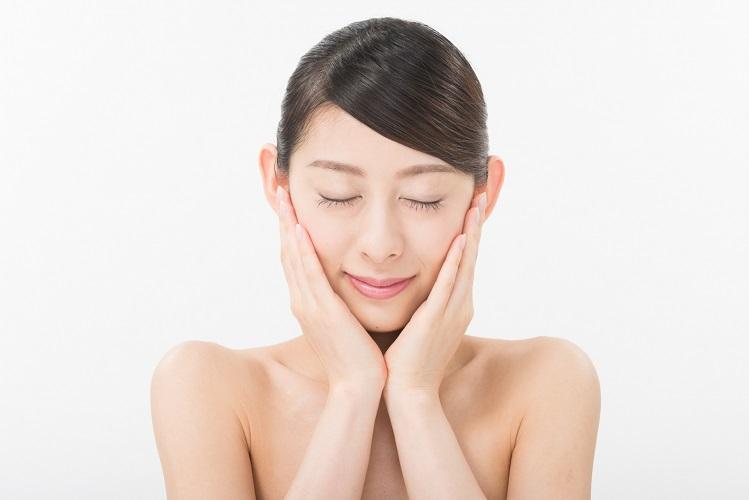 【レビュー有】フェイスプリンの口コミまとめ!話題のヒト幹細胞美容液は毛穴悩みを解決するの?